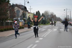 charytatywny-bieg-mikolajkowy-2019-047